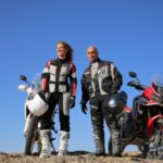 Modelka i mistrz motocrossu na szlaku Rajdu Dakar
