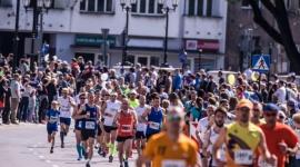 Bieganie i czytanie to klucze do życia LIFESTYLE, Książka - Czy to prawda, że biegający więcej czytają? – Jest coś na rzeczy – potwierdza Grzegorz Kuczyński, popularyzator biegania w Białymstoku.