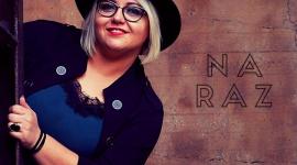 """Madeleen debiutuje singlem """"Na raz"""" LIFESTYLE, Muzyka - Poznajcie Madeleen i jej bardzo udany debiutancki singiel """"Na raz"""". Wokalistka na co dzień mieszka w Niemczech, a jej utwór już rozbrzmiewa w polskich stacjach radiowych."""