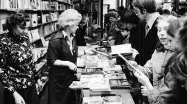 Literacka podróż przez siedem dekad z jubileuszową kolekcją książek Empiku LIFESTYLE, Książka - Wszystkie książki dostępne są w specjalnej cenie 24,99 zł.