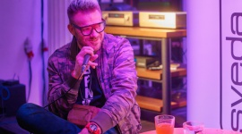 """Pierwszy krążek Cyan Atari Wu rozbrzmiał w Studio U22 LIFESTYLE, Muzyka - Atari Wu, czyli Michał Wasilewski - kompozytor, autor tekstów i producent muzyczny - 17 września w Studio U22 przedpremierowo zaprezentował swój debiutancki album """"Cyan"""". Płyta utrzymana jest na pograniczu alternatywy i mainstreamu."""